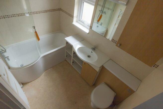Full Bathroom - Rose Way - Lee - SE12 - Oliver Field Associates