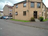 1 bedroom Ground Flat to rent in Castle Court...