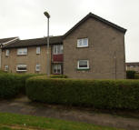 1 bedroom Ground Flat in 2 Doon Way...