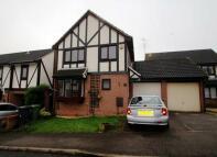 Detached home in ENNISMORE GREEN, Luton