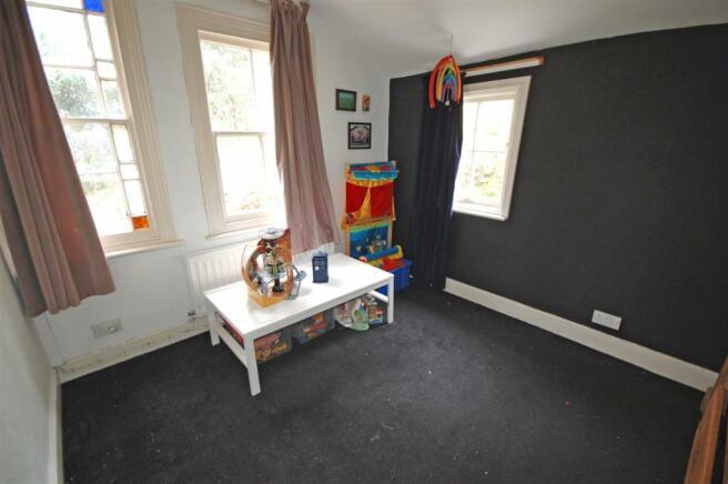 SINGLE BEDROOM 4 / OFFICE