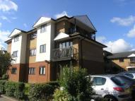 Flat to rent in Shaftesbury Court...