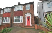 5 bed semi detached house to rent in GLENCAIRN DRIVE, London...
