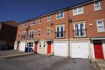 3 bedroom Town House to rent in Crystal Close...