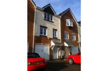 3 bedroom Town House in 28 Fern View, Gomersal