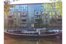 Apartment to rent in Ferry Quays, Brentford