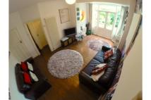 1 bed Ground Flat in 14a Radbourne Avenue...