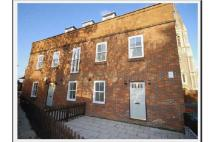 Flat to rent in 5 Tanners Court...