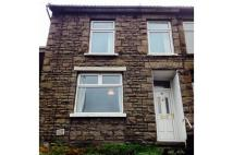 End of Terrace house to rent in Cilfynydd Road...
