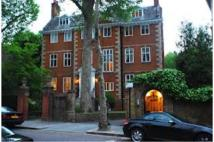 3 bed Flat in 47 Melbury Road, London