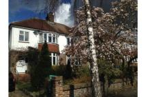 3 bedroom semi detached home in Woodbury Avenue...