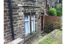 Ground Flat to rent in 10 Back River St, Haworth