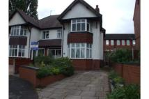 4 bedroom semi detached property to rent in 21 Grosvenor Road...