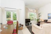 Flat to rent in 25 Daleham Gardens...