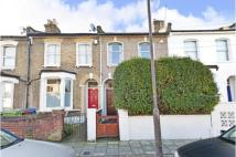 195 Hollydale Road Terraced property to rent