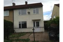 3 bedroom semi detached house to rent in 27 Hawthorn Avenue...