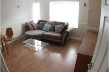 Flat to rent in Thomas Lodge...