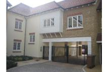 Apartment to rent in Huntington Close ...
