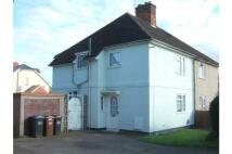 3 bed semi detached home in Clarkes Road, Hatfield...