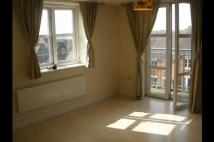 2 bedroom Apartment in Lister House...