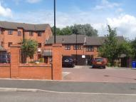 2 bed Flat to rent in Fawn Close...