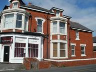 Flat to rent in 35 Lightburne Avenue...