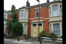 Flat to rent in Thornleigh Road...