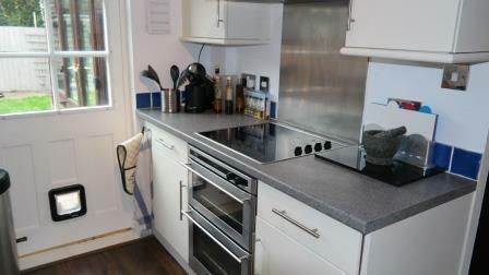 60 Mosse Gardens - kitchen 2.jpg