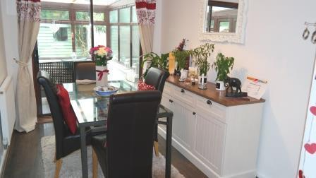 60 Mosse Gardens - dining room.jpg