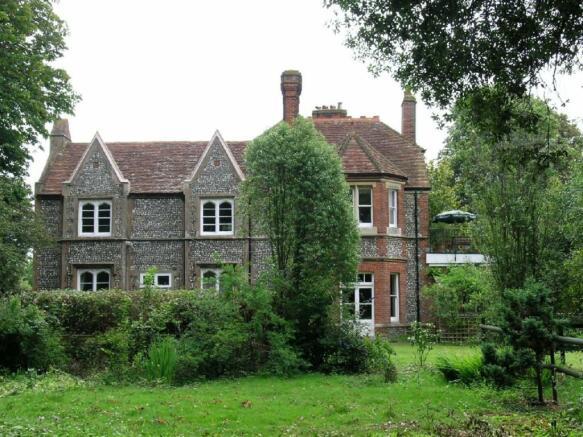 Walton House Front.j