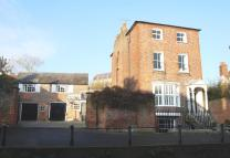 4 bed Town House in Maltravers Street...
