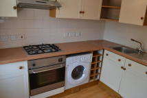 Apartment to rent in Quay Hill, Lymington