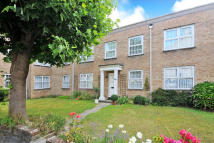 Flat to rent in Grosvenor Mews, Lymington