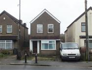 property in Elmshott Lane, Cippenham...