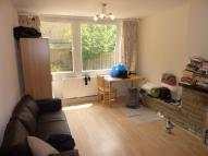 Apartment to rent in Garden Row, Southwark...