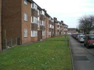 Flat to rent in Risca Road, Crosskeys...