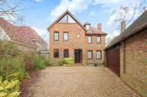 5 bedroom Detached house in The Meadway, Loughton...