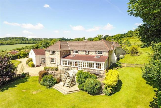 5 Bedroom Detached House For Sale In Otter Valley Honiton