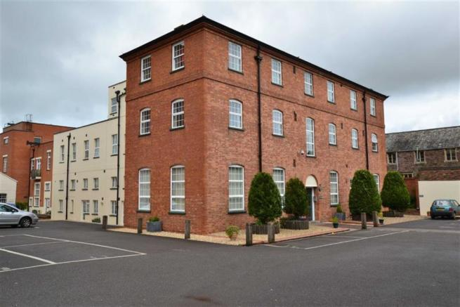 2 Bedroom Apartment For Sale In Whirligig Lane Taunton Somerset Ta1 Ta1