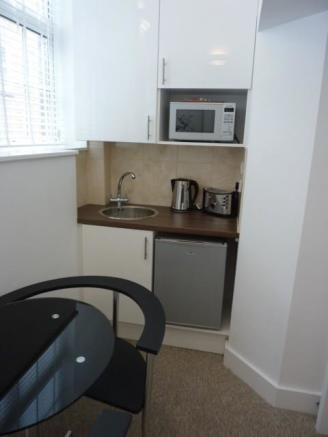 Kitchenette Room 2