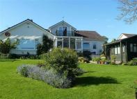 4 bedroom Bungalow in Lankelly Lane, Fowey...