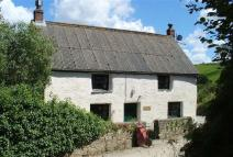 2 bed Detached property in Polmear Hill, Par...