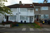 4 bed Terraced property to rent in Lakeside Crescent...