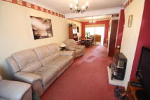 3 bed semi detached home to rent in Cunningham Avenue...