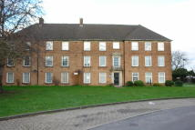 Flat in Manor Court, Enfield, EN1