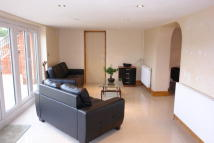2 bedroom Flat in Ridings Avenue, Enfield...