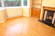 Maisonette in Bridge Close, Enfield...