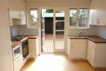 2 bedroom Flat to rent in Morley Hill, Enfield, EN2