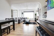 3 bed Terraced home to rent in Swan Way, Enfield, en3