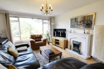 Maisonette to rent in Chase Ridings, Enfield...